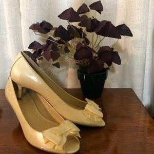 ENZO ANGIOLINI patent leather peep toe